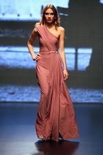 μοδίστρα φορέματα