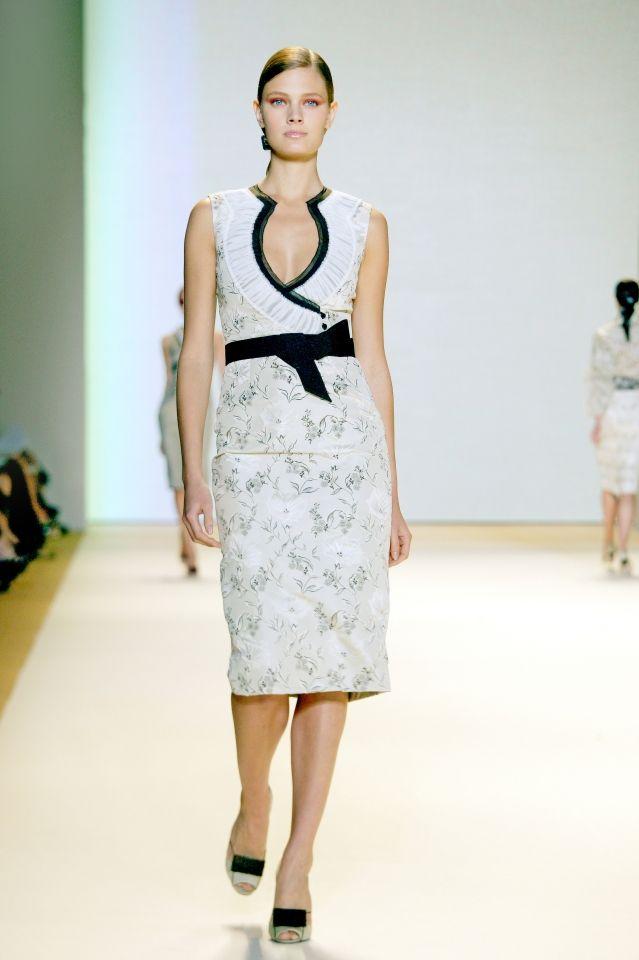 Φόρεμα για κουμπάρα μητέρα  a94d8a5e606