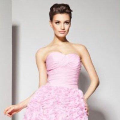a5ef32141482 Τελικά αποφασίσατε να πάτε στο δημαρχείο αντί να ανεβείτε τα σκαλιά της  εκκλησίας και σκέφτεστε τι φόρεμα γάμου να φορέσετε  Στο modistramou.gr σας  έχουμε ...